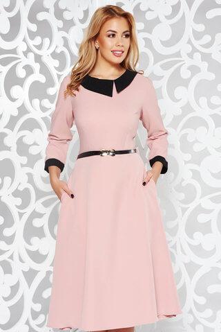 rochie-rosa-eleganta-in-clos-din-stofa-subtire
